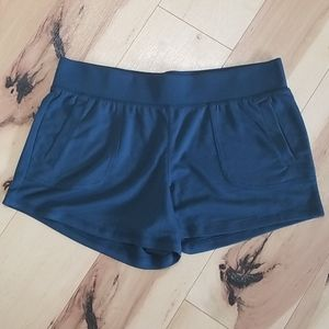 Athletic works shorts L/G (12-14)